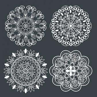 Conjunto de mandala gráfica com estilo ornamental