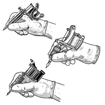 Conjunto de mão com máquina de tatuagem isolada no branco. elemento de design para cartaz, cartão, nabber, folheto, emblema.