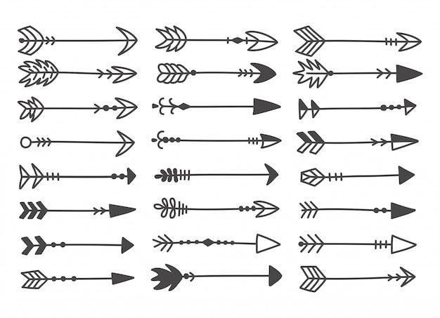 Conjunto de mão desenhada de doodle bonito flechas.