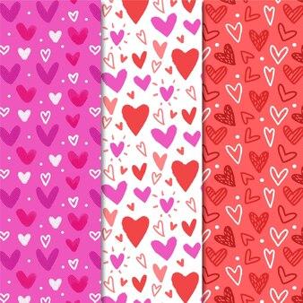 Conjunto de mão desenhada de padrões de coração fofo