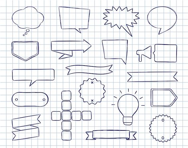 Conjunto de mão desenhada discurso bolhas, emblemas e fitas com rápida na folha de livro de cópia alinhada.