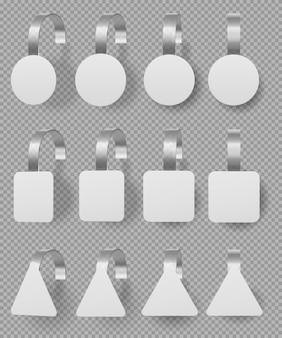 Conjunto de maquete de wobblers. etiquetas de preço 3d brancas em branco