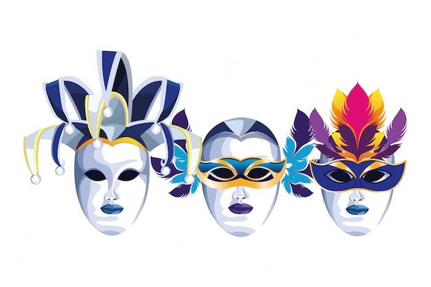 Conjunto de máscaras com penas