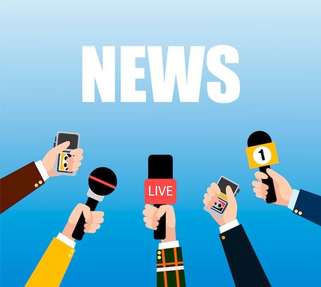 Conjunto de microfone. mãos de jornalistas com microfones e gravadores mídia tv e entrevista, informações para a televisão.