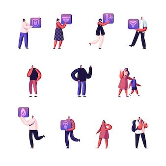 Conjunto de minúsculos personagens masculinos e femininos com botões ou ícones para aplicativos domésticos inteligentes.