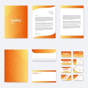 Conjunto de modelo de papel de negócios com gradiente de cor laranja e pequeno polígono quadrado com curvas de linha