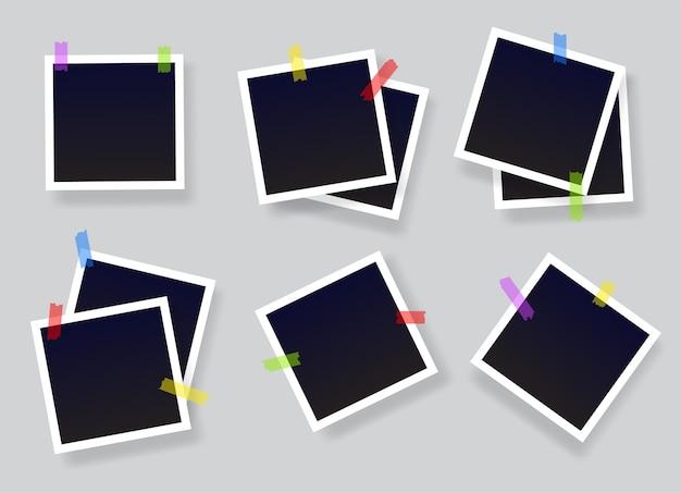 Conjunto de moldura de foto instantânea em branco colado na fita. molduras vintage pretas vazias com listras adesivas.