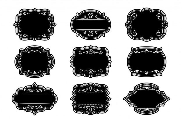 Conjunto de molduras pretas ornamentais de rótulo. craft elegante etiqueta adesivo real ornamentado. coleção decorativa vintage quadro encaracolado vazio. elementos caligráficos de ondulação e redemoinho de divisor. ilustração isolada