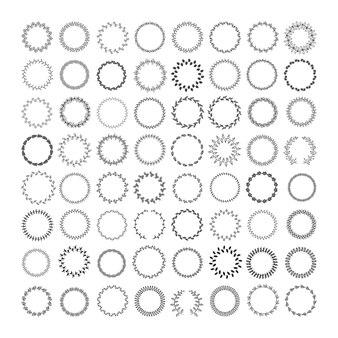 Conjunto de molduras redondas e grinaldas com raminhos.