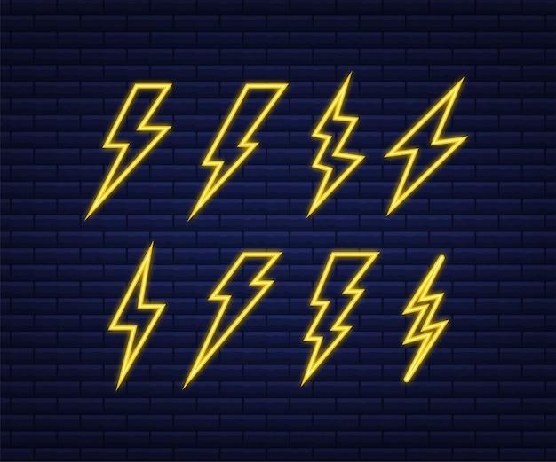 Conjunto de néon relâmpago. parafuso de trovão, experiência em ataque de relâmpago. ilustração vetorial.