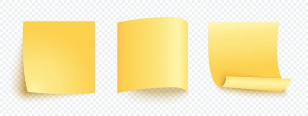 Conjunto de nota de etiqueta amarela em branco.