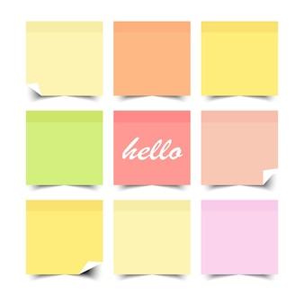 Conjunto de notas auto-adesivas coloridas com design de cor lisa. ilustração.