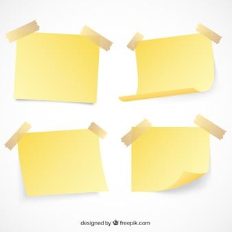 Conjunto de notas de papel com fita