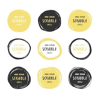 Conjunto de nove círculos de rabisco preto e dourado desenhados à mão. elementos de design de logotipo