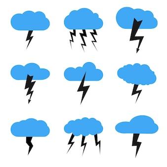Conjunto de nove nuvens com trovoada. ilustração vetorial.