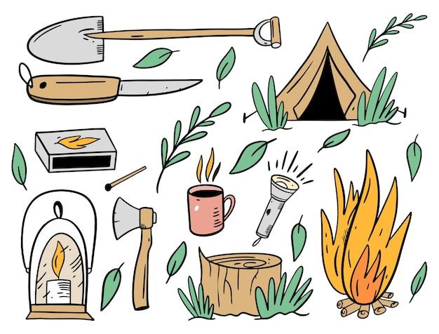 Conjunto de objetos de acampamento. estilo liso dos desenhos animados.