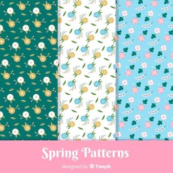 Conjunto de padrão de pequenas flores de primavera