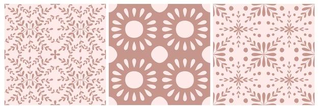 Conjunto de padrão sem emenda de flor portugal telha. fundo geométrico de cor rosa empoeirado. ornamento de repetição de azulejo tradicional. padrão monocromático de vetor. impressão vintage abstrata para tecido, embalagem, invólucro