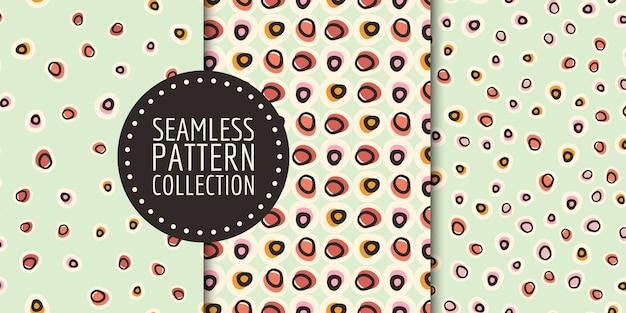 Conjunto de padrão sem emenda de pontos redondos desenhados à mão repetidamente