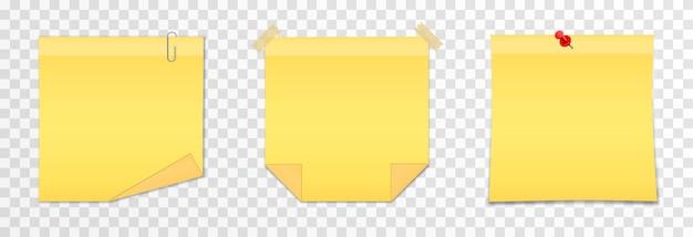 Conjunto de papéis de vetor para anotações em uma nota auto-adesiva realista de fundo transparente isolado