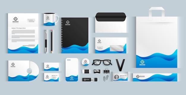 Conjunto de papelaria azul ondulado de marca comercial