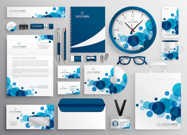 Conjunto de papelaria de negócios abstrato azul
