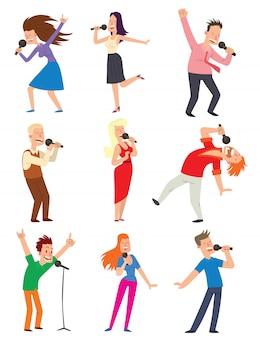 Conjunto de pessoas cantando.