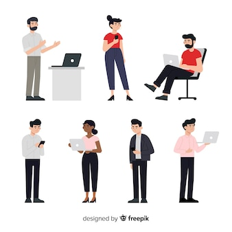 Conjunto de pessoas com laptops