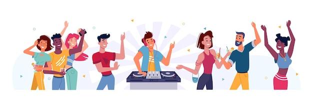 Conjunto de pessoas dançando na festa e o homem dj na plataforma giratória perto de uma pessoa feliz no aniversário ou feriado