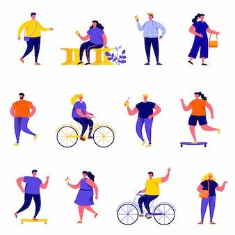 Conjunto de pessoas planas realizando caracteres de atividades ao ar livre do verão