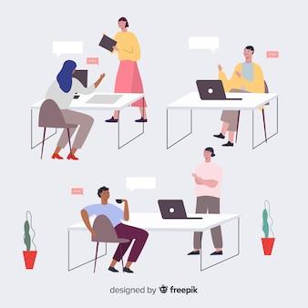 Conjunto de pessoas que trabalham em suas mesas