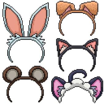 Conjunto de pixel art com fantasia de orelha de animal isolado