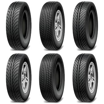 Conjunto de pneus de carro isolado no branco