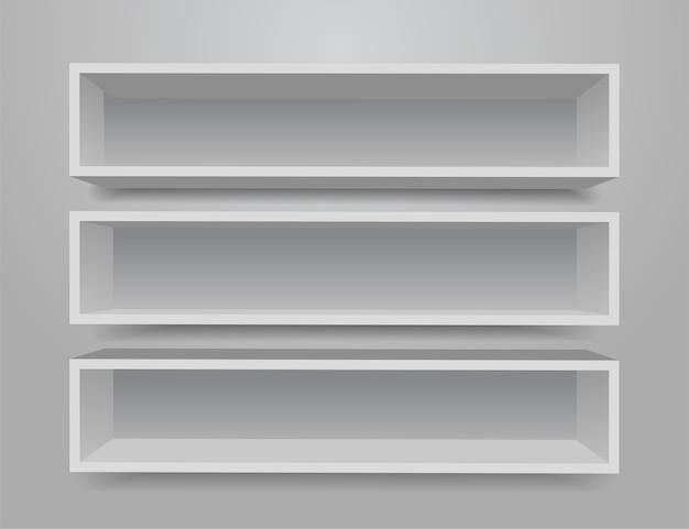 Conjunto de prateleiras de móveis diferentes brancas.