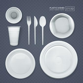 Conjunto de pratos de plástico realistas