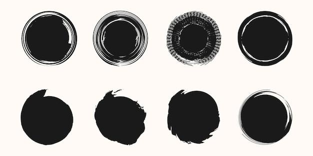 Conjunto de quadro de círculo preto pintado com pinceladas no elemento de design de vetor de fundo branco.