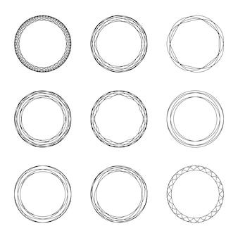 Conjunto de quadros circulares vintage pretos com ornamento