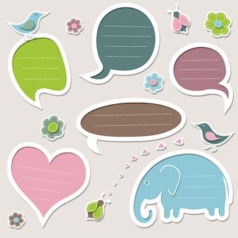 Conjunto de quadros de diferentes formas. bolhas do discurso bonito.