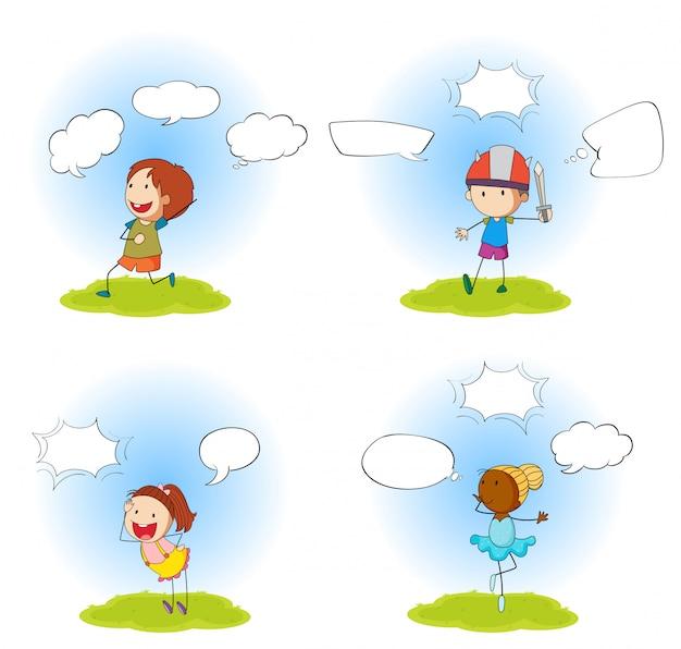 Conjunto de quatro crianças com bolhas do discurso
