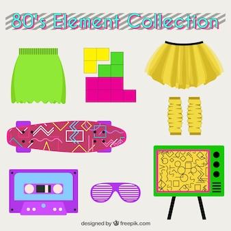 Conjunto de roupas e oitenta objetos no design plano