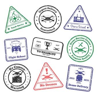 Conjunto de selos grunge drone de selos postais coloridos com imagens de veículos voadores não tripulados e ilustração vetorial de texto
