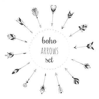 Conjunto de setas de mão desenhada no estilo boho