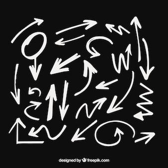 Conjunto de setas para marcar na mão desenhada estilo