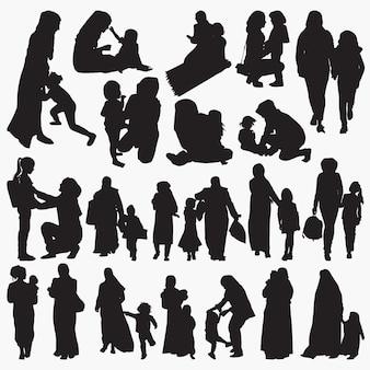 Conjunto de silhuetas de mãe e filho muçulmanos