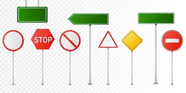 Conjunto de sinais de trânsito isolado.