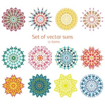 Conjunto de sóis decorativos decorativos coloridos de verão