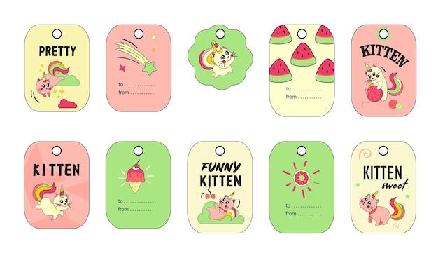 Conjunto de tags de gato unicórnio. gatinho de bebê de verão engraçado dos desenhos animados com ilustrações de chifre e cauda de arco-íris.