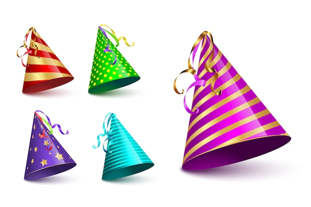 Conjunto de tampas de cone de festa isolado no fundo branco.