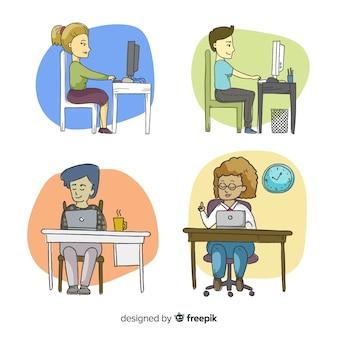 Conjunto de trabalhadores de escritório em suas mesas