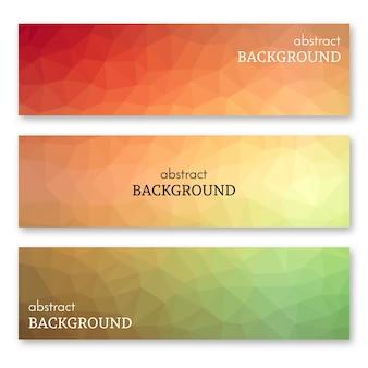 Conjunto de três banners coloridos em estilo de arte low poly. plano de fundo com lugar para o seu texto. ilustração vetorial